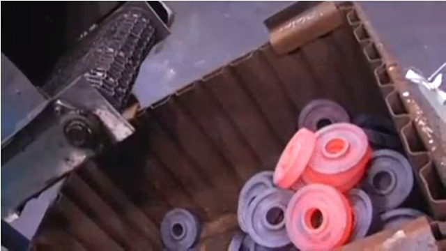 Video: See How Blank Transmission Gears are Forged at Eaton