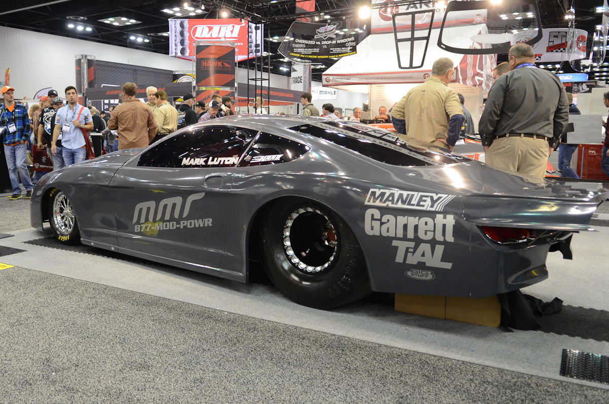 PRI 2015: Five Star Unveils First 2016 Mustang Carbon Fiber Body