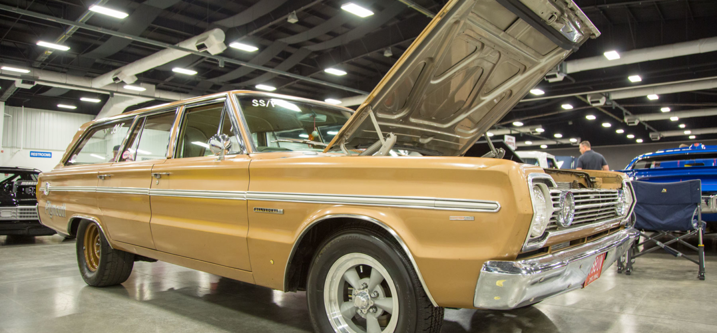 The Wagon Man: Dale Jolley\'s Old School Plymouth Belvedere Wagon